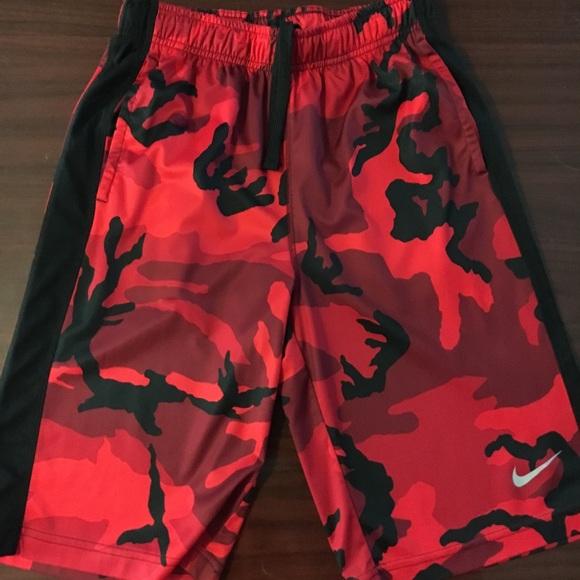 10-12 Dri-Fit NWT NIke Dry Youth Boys Athletic Set Camo Shirt /& Shorts Medium